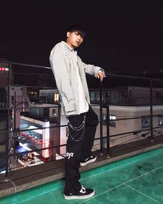 "SIK-K (@younghotyellow94) on Instagram: ""rockin @enzoblues #enzoblues #엔조블루스"" Hip Hop And R&b, Hip Hop Rap, Ideal Man, Perfect Man, Kwon Min, Kpop, Music X, Korean American, Hip Hop Artists"