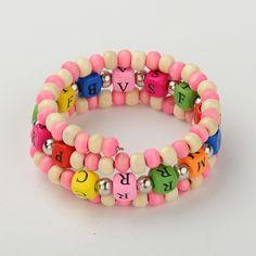 Kindertages Geschenke Holz Perlen Dreifach-Verpackungsarmbänder für Kinder, mit gelegentlicher Farbe Alphabet Holzperlen, pearlpink, 48 mm