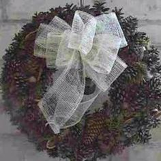 twig and pinecone wreaths for primitive country Christmas decor..