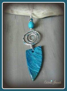 Guarda questo articolo nel mio negozio Etsy https://www.etsy.com/it/listing/519043663/rustic-blue-necklace-handmade-with-cold