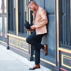 New Men Winter Outfits Ideas - motivational trends Tan Leather Jackets, Leather Jacket Outfits, Winter Outfits Men, Formal Looks, Tailored Suits, Mens Fashion, Fashion Outfits, New Man, Mens Suits