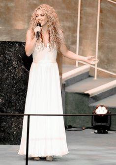 "iheartshakira: "" ""Shakira performing ''Imagine'' at United Nations General Assembly. "" """
