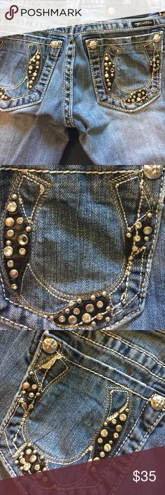 Miss me jeans with horseshoe design These jeans will bring good luck. Distressed Bootcut Miss Me Jeans Boot Cut