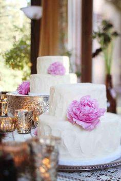 3 simple cakes + peonies vs. tall teird cake