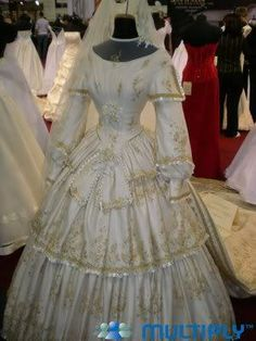Dresses of Empress Elisabeth Royal Fashion, Fashion Over, Vestidos Vintage, Vintage Dresses, Beautiful Gowns, Beautiful Outfits, Imperial Clothing, Victorian Fashion, Vintage Fashion