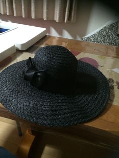 100均の帽子にリボン
