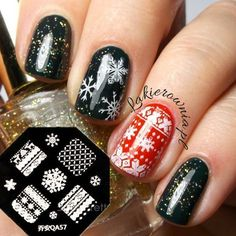 These nails are totally a winter wonderland! (Credit: Style and Design)