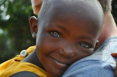 <3 I love this picture and everything about this beautiful child. Those eyes and smile..so captivating.