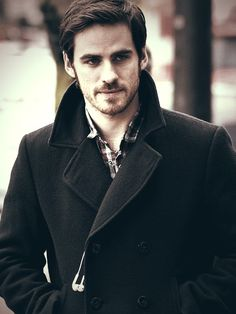 colin o'donoghue - devilish grin and a sexy accent.....💞