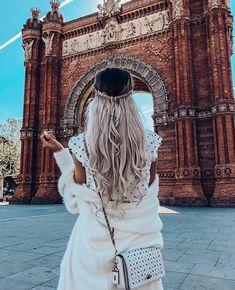 1 2 3 or 4 ? Barcelona Travel, Barcelona Spain, Barcelona Fashion, Barcelona Sights, Wanderlust Travel, Travel Pictures, Travel Photos, Travel Tips, Travel Destinations