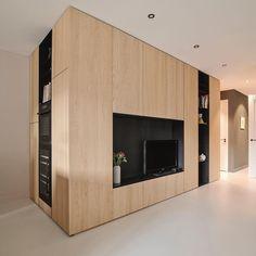 """@houtmerk shared a photo on Instagram: """"Een complete #maatwerk kastenwand-ombouw met enorm veel functies en opbergruimte. Keukenkast met inbouwapparatuur; tv-meubel; #wandkast met…"""" • Feb 2, 2021 at 8:44pm UTC Build A Closet, Ikea, Divider, Living Room, Building, Interior, Inspiration, Furniture, Instagram"""