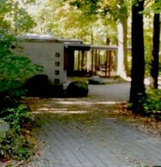 In the town of Worthington Ohio, in the northern reaches of Columbus, there is a little-known enclave of mid-century modern, Frank Lloyd Wright-inspired homes called Rush Creek Village. Known as Usonian architecture, and relatively undiscovered, even by Wright enthusiasts, Rush Creek is actually the most intact collection of such properties i...