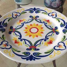 Presente para uma grande amiga para seu restaurante @donalinaeseuluigi #donalinaeseuluigi #ceramic #ceramica #cerâmica #ceramics #art #arte #artista #artist #decoracao #decoration #decoração #pintura #pinturaamao #lilianacastilho