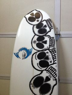 boardsbywow.com custom surf boards and paddleboards. $400 for surf and $1000 for SUP boards. You choose the art, size and features. #sup #surf #skull