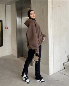 Modest Fashion Hijab, Modern Hijab Fashion, Street Hijab Fashion, Modesty Fashion, Hijab Fashion Inspiration, Mode Inspiration, Mode Hipster, Mode Ulzzang, Mode Turban