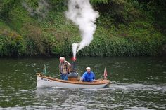 Classic Steam..... not exactly what I have in mind when I go boating....but it must be fun.....