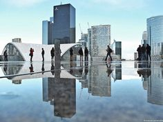 El fotógrafo retrata París a través de los reflejos de la ciudad | Juventud Fotográfica