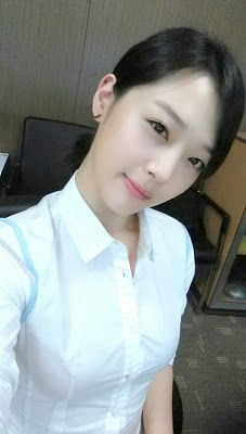 Sulli reveals a pretty lady image in selca ~ Latest K-pop News - K-pop News | Daily K Pop News