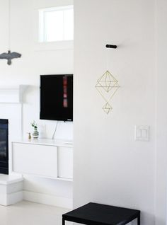 Roundup: 21 Creative DIY Wall Hook and Coat Rack Projects! Home Decor Hooks, Cute Home Decor, Unique Home Decor, Peg Wall, Wall Hooks, Interior Inspiration, Room Inspiration, Furniture Inspiration, Furniture Projects