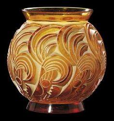 Art Deco Lalique Vase. @designerwallace  artistsandart.org