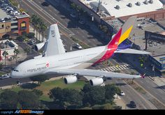 Asiana Airlines Airbus A380-841