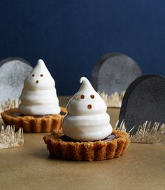 Boo! Knock guests' socks off with these sweet and spooky Halloween desserts.