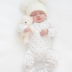 Seriously, this kid ! 💕😍💕 Another beautiful snapshot … – Babyfotos – Newborn Cute Little Baby, Little Babies, Cute Babies, Baby Kids, Cute Baby Pictures, Newborn Pictures, Baby Outfits, The Babys, Foto Baby