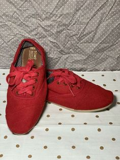 0883aafd673 Comfort Shoes · Toms Cordones Lace Up Sneaker - Women s Size 9.5 - RED   fashion  clothing