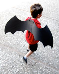 Preschool Holidays & Seasons Activities: Make Spooky Bat Wings
