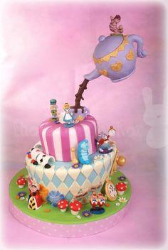 Alice in Wonderland gravity cake Anti Gravity Cake, Gravity Defying Cake, Crazy Cakes, Bird Cakes, Cupcake Cakes, Beautiful Cakes, Amazing Cakes, Baby Motiv, Cake Wallpaper