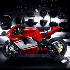 The Desmosedici By: Ducati 748, Moto Ducati, Ducati Motorcycles, Ducati Desmosedici Rr, Motorcycle Dirt Bike, Busa, Hot Bikes, Super Bikes, Street Bikes