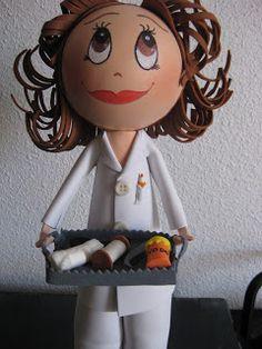 Fofucha enfermera con instrumental de curas. #fofuchas