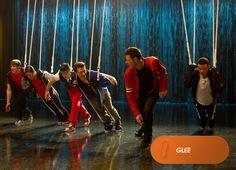 Finn e Will resolvem seus problemas com um íncrível mash-up de NSYNC e Backstreet Boys. Glee - Sábados, 19h   #EuCurtoFOX Confira conteúdo exclusivo no www.foxplay.com