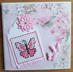 Vlinder kaart Stitching On Paper, Cross Stitching, Cross Stitch Embroidery, Cross Stitch Patterns, Mini Cross Stitch, Cross Stitch Cards, Cross Crafts, Paper Embroidery, Marianne Design