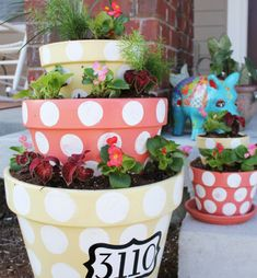 Looks like a great way to put three different sizes of pots into a very cool planter.  Smaller footprint but bigger bang for your buck.
