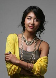 Ha Ji Won (SecretGarden, The King 2 Hearts)