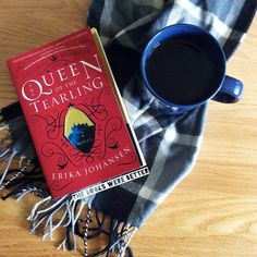 A new week, a new book! This time it's #QueenoftheTearling which I know I'm kinda late on reading but I've heard good things!  #currentlyreading #bookstagram #igreads #TheBooksWereBetter #bookblogger