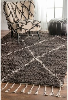 nuLOOM Hand-knotted Moroccan Trellis Brown Shag Wool Rug (5' x 8')