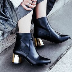 #chiko #chikoshoes #shoes #fashion #fashionable #style #lookbook #fall #winter #autumn #new #best #streetstyle #chic #trend #streetfashion #ankleboots #boots #metallic #golden
