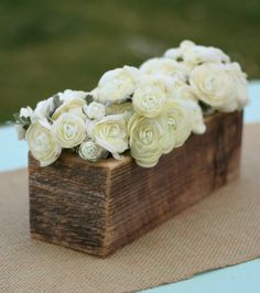 Beautiful rustic barn-wood planter boxes for reception centerpieces Wood Box Centerpiece, Table Centerpieces, Wedding Centerpieces, Wedding Decorations, Wedding Ideas, Party Wedding, Wood Vase, Floral Centerpieces, Wedding Photos