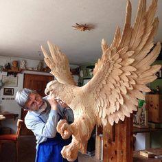 İtalyan heykeltıraşın hazırladığı vahşi hayvan heykelleri.