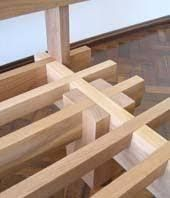 Resultado de imagen para cama de madeira de encaixe Japanese Joinery, Japanese Woodworking, Woodworking Joints, Woodworking Furniture, Woodworking Projects Plans, Woodworking Equipment, Diy Wood Projects, Furniture Projects, Wood Furniture