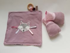 Combo 5: Taggie blanket & reversible scratch mittens, one size