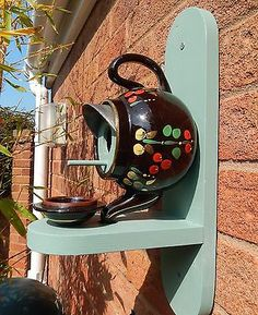 Bird Nest Box Feeder Vintage Teapot Gift Handmade House Garden Robin Blue Tit
