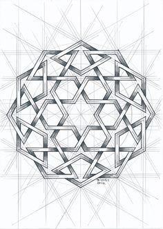 #islamicdesign #islamicpattern #arabianart #geometry #symmetry #handmade #mathart #regolo54 #escher #circle #disk