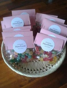 17 super Ideas baby shower ideas recuerdos gift bags Best Picture For gifts ideas Baby Shower Favors, Baby Shower Gifts, Diy Party, Party Favors, Bar A Bonbon, Diaper Cake Centerpieces, Baby Shawer, Candy Bags, Baby Bottles