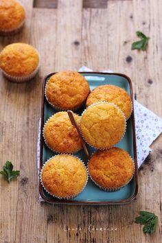 Retete muffins - Vezi aici ► Retete Laura Adamache Prosciutto, Cornbread, Bakery, Muffin, Appetizers, Cupcakes, Cooking, Breakfast, Ethnic Recipes