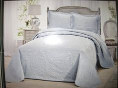 Queen Bedspread Mini Set  Beautiful Pale Green -- Click image for more details.