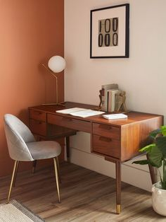 home office mid century modern workspace Mid Century Modern Dining Room, Mid Century Desk, Mid Century Furniture, Mid Century Modern Vanity, Mid Century Modern Lighting, Guest Room Office, Home Office Space, Home Office Desks, Home Office Table