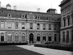 #monochrome #blackandwhitephotography #blackwhite #france #paris #architecture